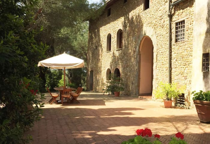 Malmantile - Stone-built Villa close to Florence - Malmantile - วิลล่า