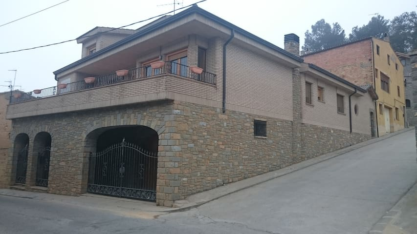 Typical house in a rural village - Albesa - House