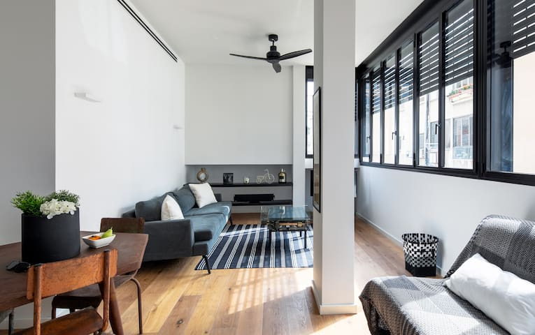 Spacious industrial style Sheinkin flat