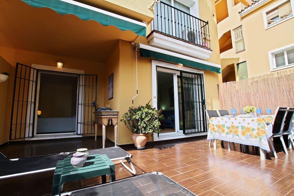 Terrace with sun shades