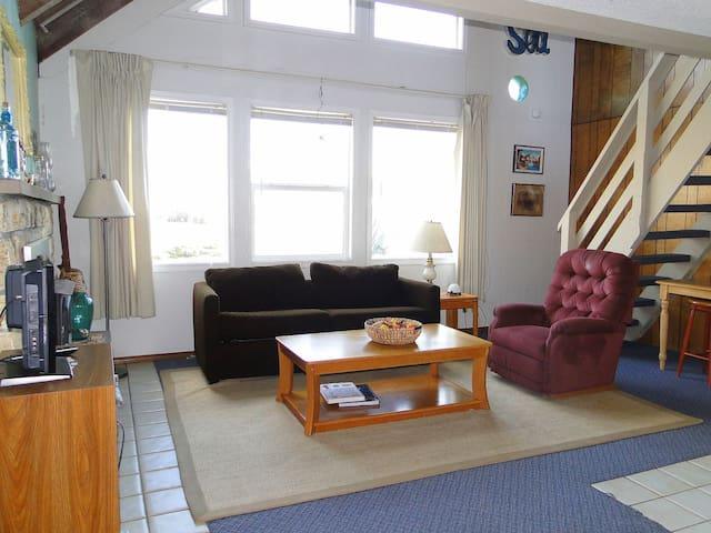Chalet # 9-A frame cabin - Ocean Shores - Cabin