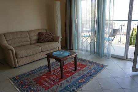 Modern balatoni apartman - Csopak - Lejlighed