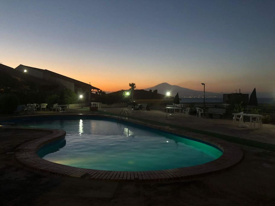 Wonderfull View of Etna and Pool