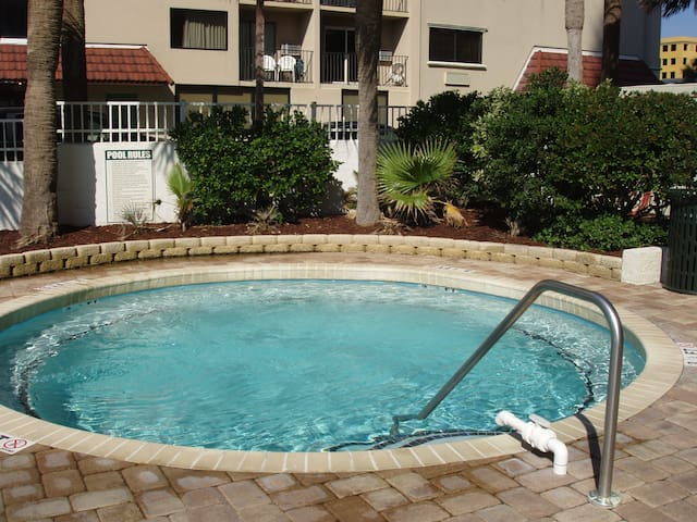 Outdoor whirlpool/spa.