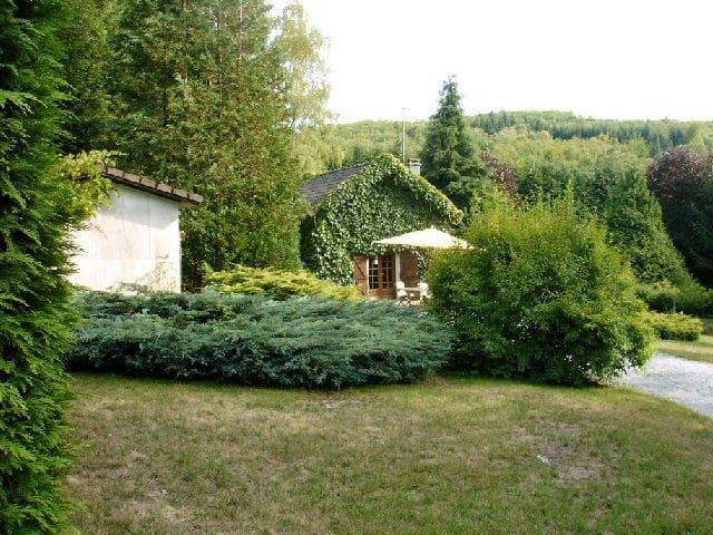 Maison à la campagne avec SPA  - Saint-Léger-la-Montagne - House