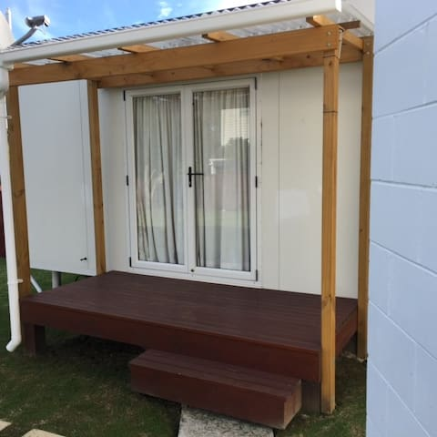 Secluded Torbay Studio - Auckland - Apartment