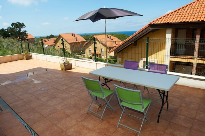 Apartamento Comillas super terraza vistas al mar - Comillas - Appartement
