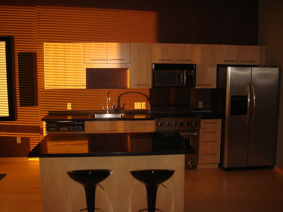 Luxury studio on the max line lofts for rent in for Beaverton kitchen cabinets reviews
