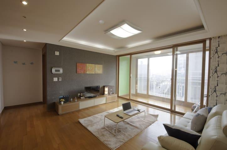 [상왕십리역 도보 10분] 3룸, 2화장실 풀옵션 아파트먼트 렌탈