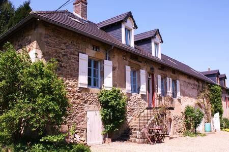 Country House near Autun, Burgundy. - Roussillon-en-Morvan - House