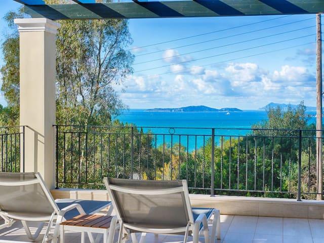 Villa Afionas mit Pool und Meerblick - 3 Minuten vom Strand