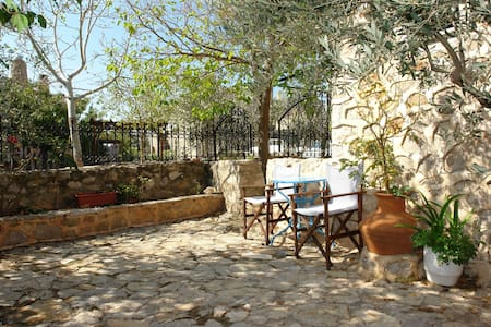 Double room  - Avgonima - Pousada