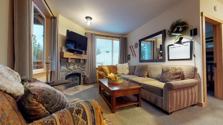 Juniper #351 -End Unit with direct views of the slopes-updated and nice!