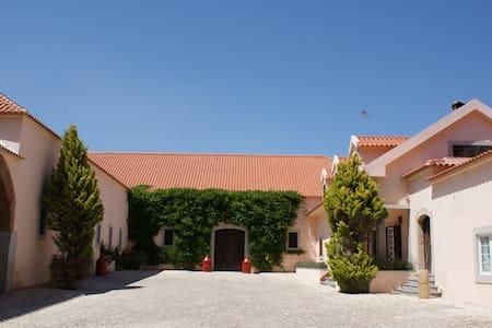 Villa near Lisbon - Alenquer - House - 0