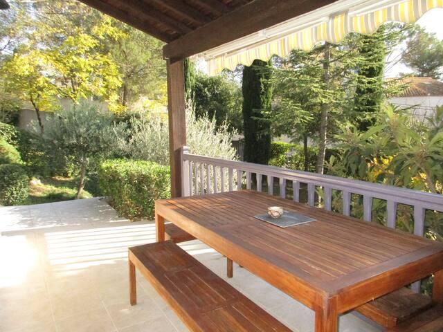 """Villa*** sur jardin calme  confort """"les chenes"""" - Prades-le-Lez - House"""