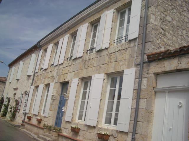 douceur et charme du Sud ouest - Puymirol - Huis