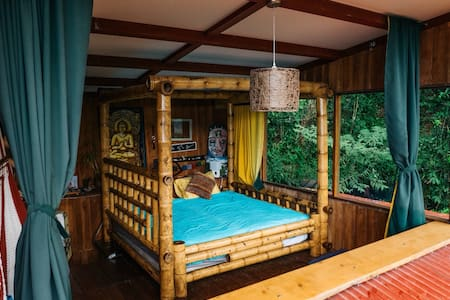 Jungle Tree House - Loft with Beautiful Sunrise
