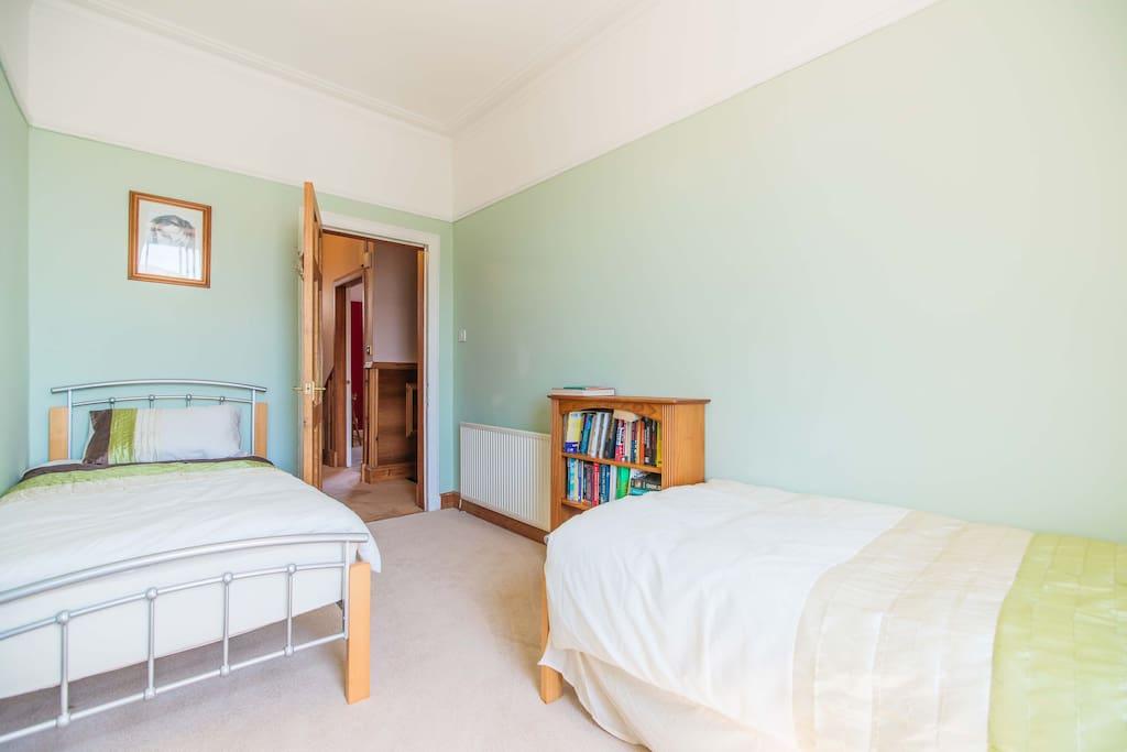 Room  Houses For Rent In Irvine, United Kingdom