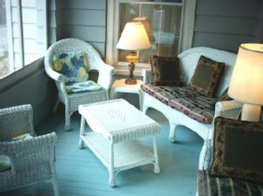 Three season front porch