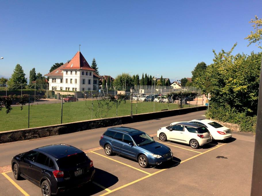 Place de parc privée à dispo