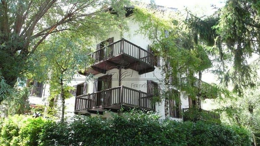 A few steps from Courmayeur - Verrand - Byt