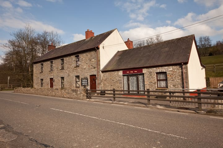 Hafod Bridge Cottage  - Llanwrda - Dům