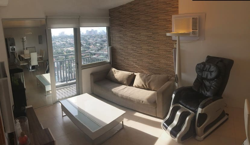 Cozy 1-BR Condo Unit at Aspire Tower near Eastwood