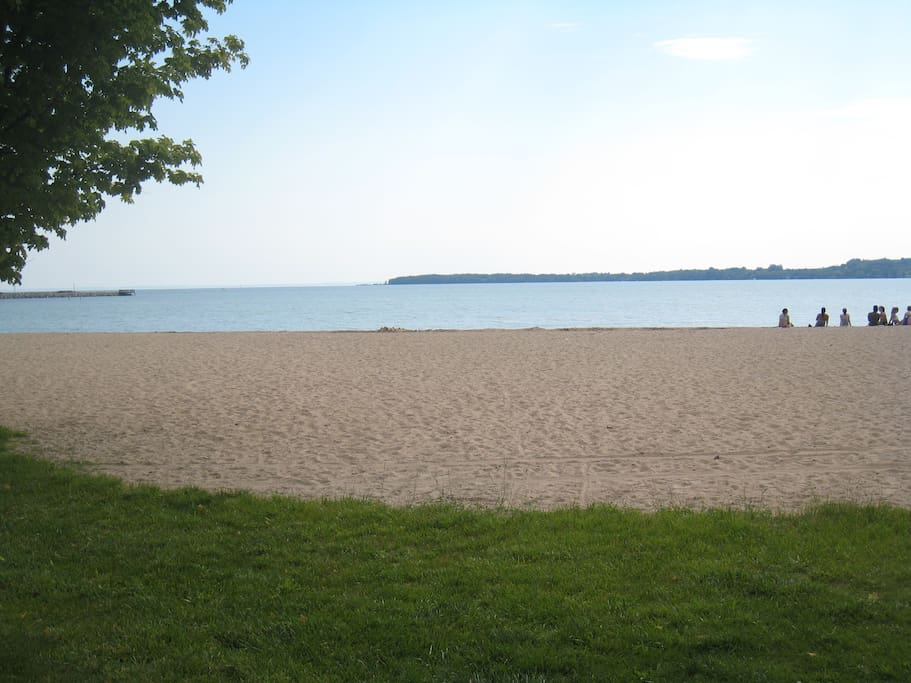 Just two blocks to a gorgeous sandy beach with picnic tables, playground, and volleyball net