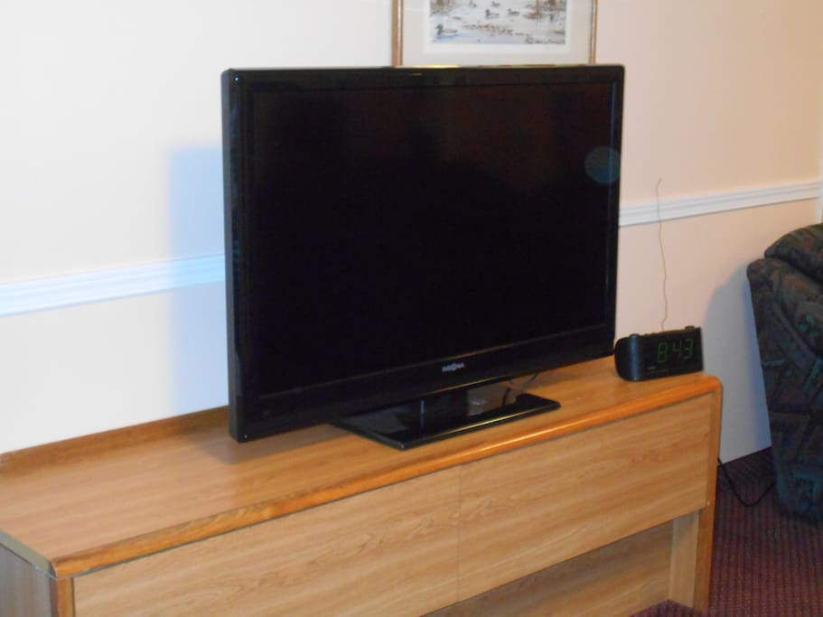 Big flat screen with cable.