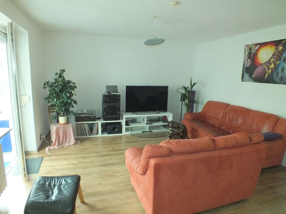Sehr helles und großes Wohnzimmer