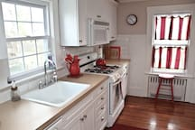 Cottage style open spacious kitchen