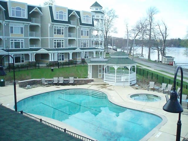 Bemus Point Upscale Lakeview Condo - Bemus Point - Apto. en complejo residencial