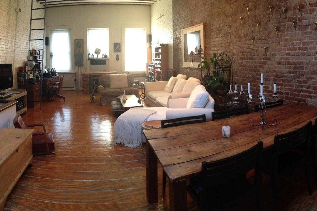 Living Room and atelier/workshop in the back