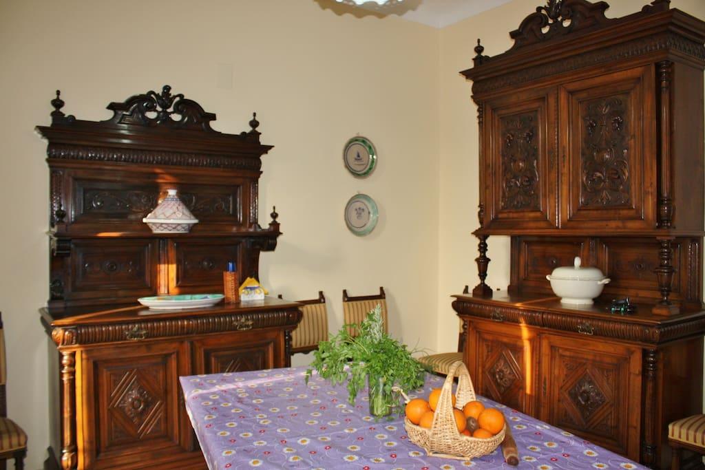 Cucina-sala da pranzo fine '800 siciliano