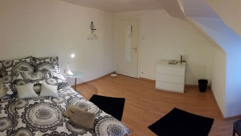 Traumwohung im Zentrum (White Room) - Cologne - Apartemen