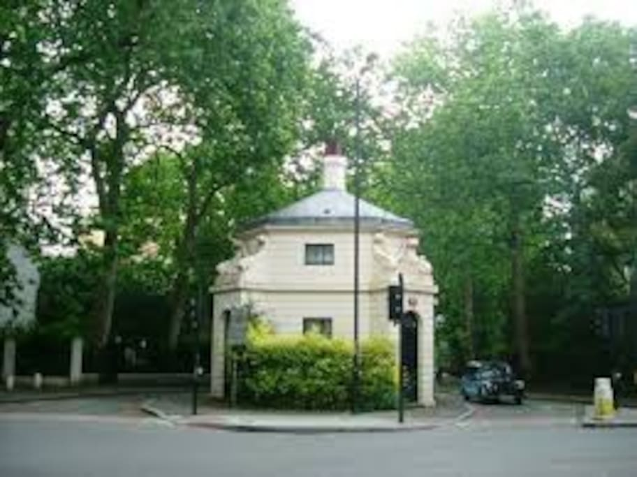 Hanover Gate - Regents Park Entrance across the road