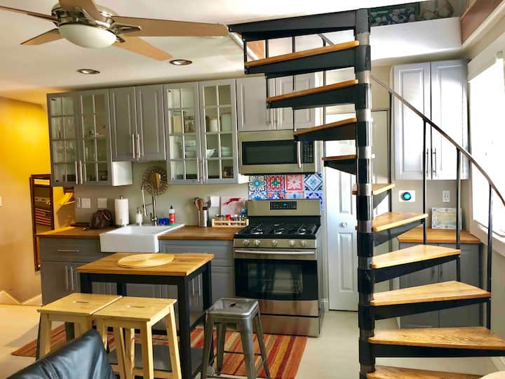 Lofted 2nd Floor Apartment with Spiral Staircase