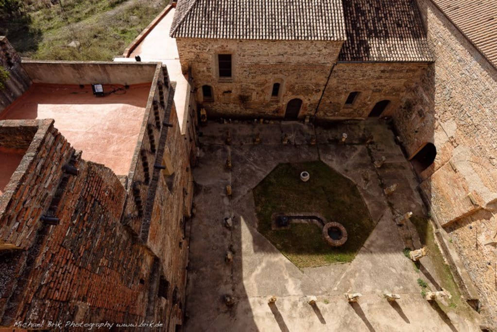 Birds´eye view of the main cloister of this 600 year old former monastery