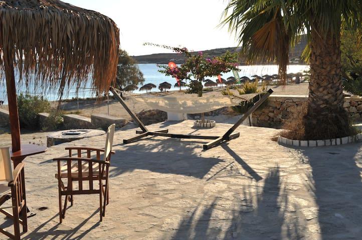 Beach Studio on an amazing location - Πάρος - Apartmen
