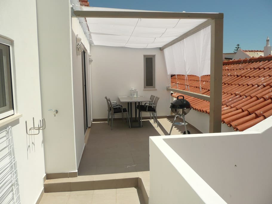 Studio 3 - roof terrace with marquise