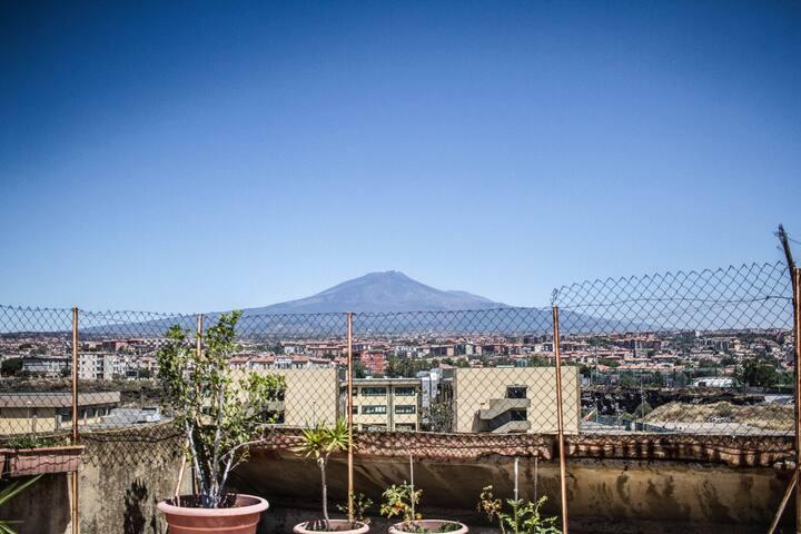 La terrazza sull'Etna
