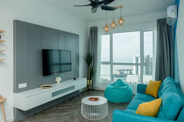 High floor, Seaview & Luxurious 3BRs Apartment