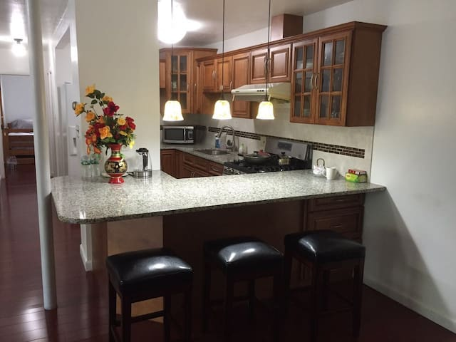 Over 1000SF, Entire 2BR Apartment - Andover - Apartemen