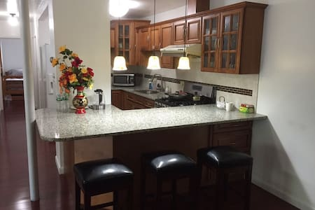 Over 1000SF, Entire 2BR Apartment - 安多弗(Andover) - 公寓
