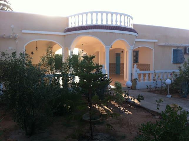 Une très belle maison  confortable - Djerba   - Casa