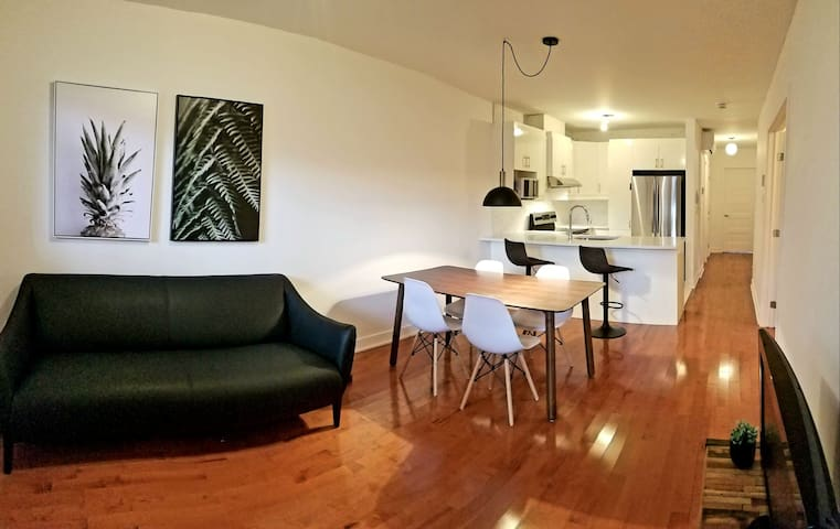 Lovely condo near Canal (6 month minimum stay)