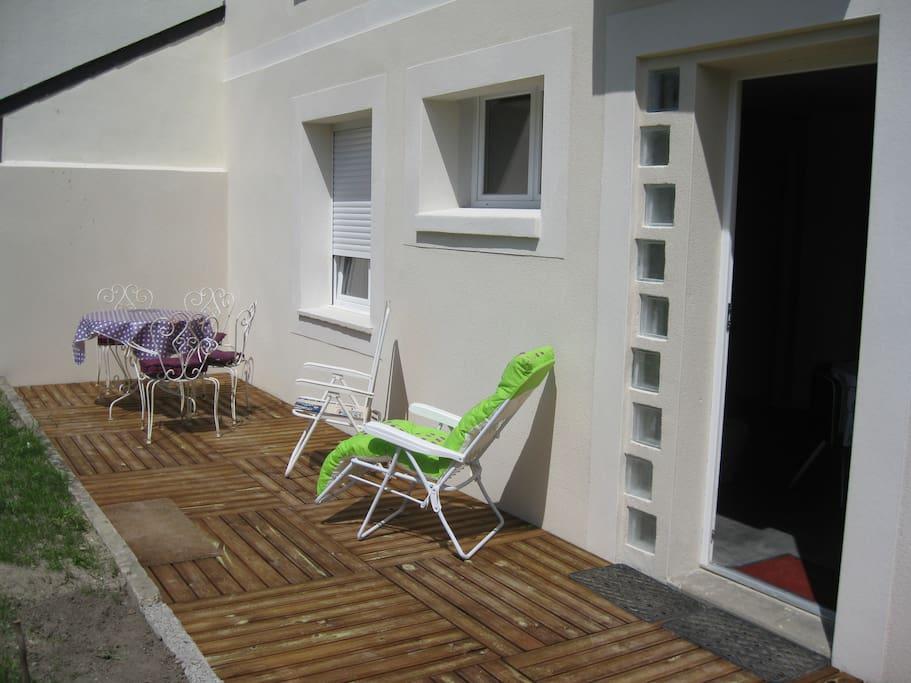 T2 rez de jardin st malo la semaine apartments for for Entretien jardin saint malo