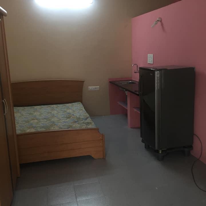 Cozy Studio Apartment ( Ladies only )