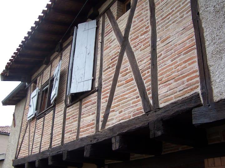 Petite maison de charme au coeur de Lisle-sur-Tarn