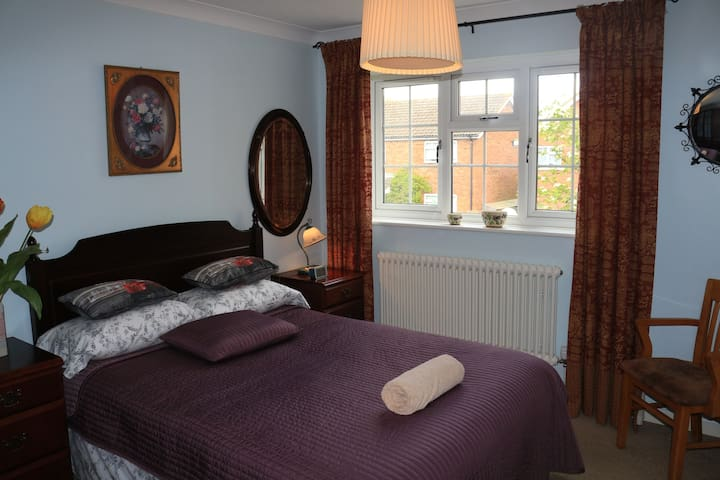 Harpenden double room in a house